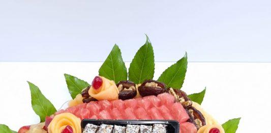 במקום זר פרחים – חשבו על הזמנת מגשי פירות